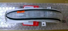 Повторитель поворота правый (зеркало) Honda Accord (2002-2007)